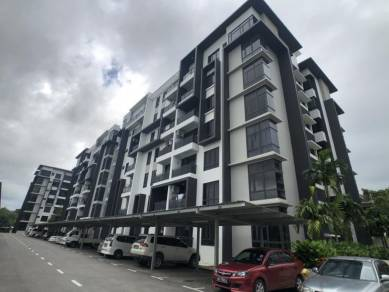 Greenfield Residence | Top Floor | Mountain View | Offer