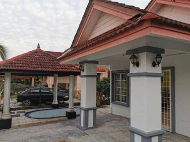 FULLY FURNISHED & WeLL MainTaiN Semi-D at Bagan Lalang, SepanG