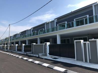 Sitiawan Newly Completed Double Storey Terrace,Zero Downpayment !