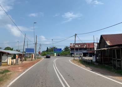 Benut Zone Commercial Land With 8 Shoplots 4 Bungalows FOR SALE👍