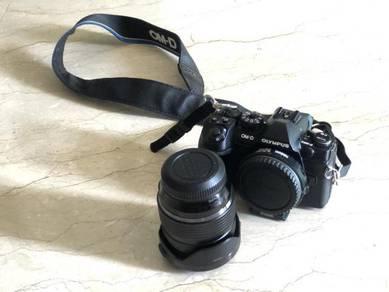 OLYMPUS OMD EM1 Mark 2 with 12-40 lens 2.8 pro