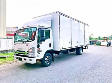 Isuzu NPR81UKH 20ft Box BDM 7500kg Hino Fuso