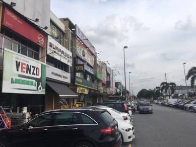 3 Storey Intermediate Shoplot, Bandar Botanic, Klang (Facing Jusco)