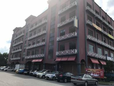 Pandan perdana commercial building for sell facing MRR2 main road