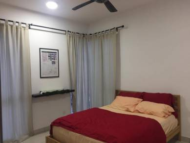 Room for rent next to MRT station. Include utilities