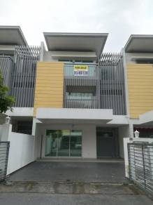 Kajang Nadayu 92 3Storey House