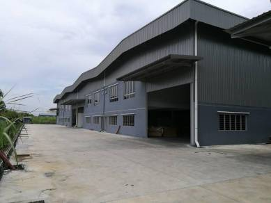 [NEW] Warehouse / Factory Rawang (4000 Square Feet)