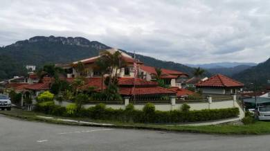 A beautiful double storey semi-D house, at Taman Melawati