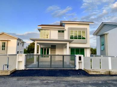 BUNGALOW 2 storey for SALE!