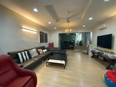 EXTENSIVELY RENOVATED and NICELY FURNISHED TERRACE CORNER FOR SALES
