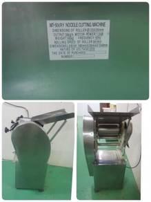 Mesin buat mee / noodle making machine