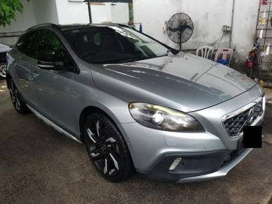 Volvo V40 T5 2.0 (A) FULL SERVICE RECORD 1 OWNER