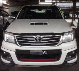 2015 Toyota HILUX 2.5 G TRD SPORTIVO (A)