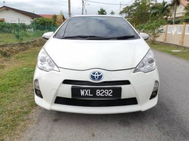 2012 Toyota PRIUS C 1.5 (HYBRID) (A)FULL LOAN OTR