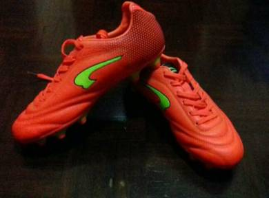 Futsal Shoe - Almost anything for sale in Sabah - Mudah.my 289a03f91b470