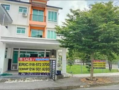 FREEHOLD 3 Storey Corner House Fully Furnished