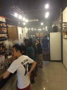 Sale person vape shop PUCHONG and DATO' HARUN
