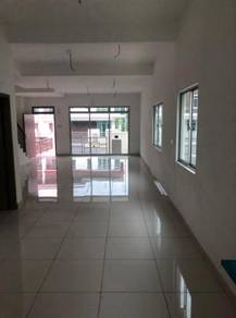 New HOUSE FOR RENT AT SUNGAI BULOH 4BED 4BATHROOM END LOT
