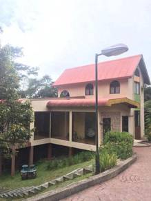 Kundasang Golf course Bungalow For Sale