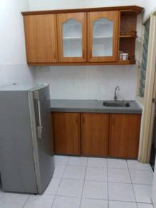 Small/master room walking distance LRT near HUKM