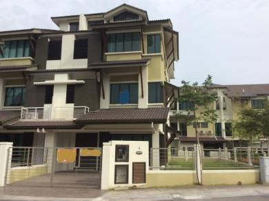Southbay Residence, corner unit at Batu Maung