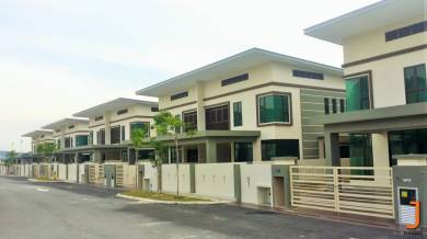 New spacious 6 bedroom 2 storey semi-d for sale - modern, exclusive