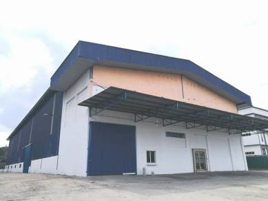 Bungalow Warehouse / Factory Sungai Buloh (12000 Sq.Ft.)