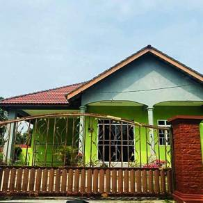 Bungalow Homestay Kijal