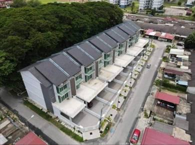 Rumah Teres 3 Tingkat Dekat SMK Kota Bharu , Kota Bharu, Kelantan