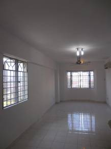 Lestari apartment, bandar sri permaisur, new paint, reno [below value]