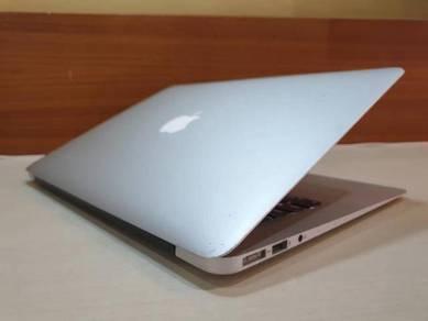 Macbook Air 13, i5 256GB SSD, 2014 Model