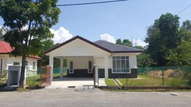 Bungalow at Mahkota Hills not facing other house