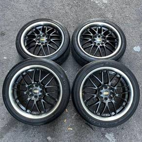 BBS 17 inch sports rim Gen2 tyre 70%