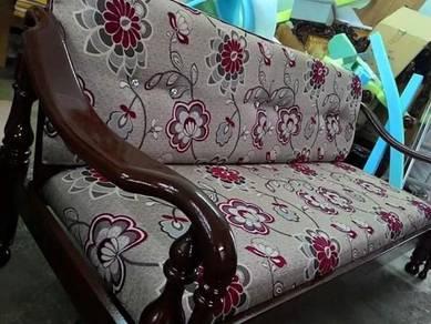 Sofa Kayu Solid Sarung Bantal Kulit