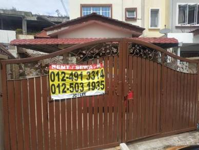 R1132 Triple Storey Terrace House for Rent at Batu Caves