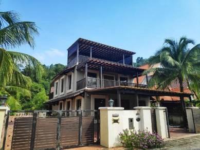 (Tropical Design) Freehold - 2.5 Storey Ferringhi Villa