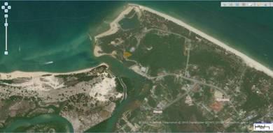 Tanah di pantai Merang Terengganu