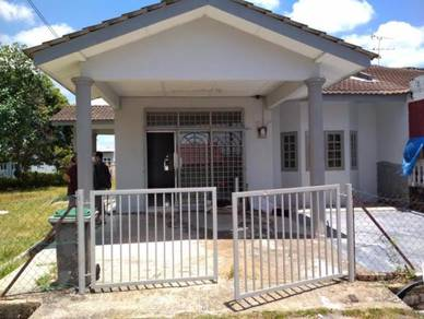Single Storey Taman Mayang Bemban / Corner Lot (SERIUS CAN NEGO)