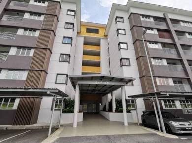 Apartment Kiara Court, Nilai Impian.BELOW MV.ADA LIF.24H G&G