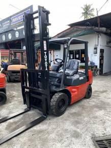 Toyota 7 Series 2.5 Ton Diesel Forklift(Refurbishe