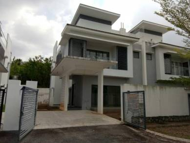 Semi D Kayu Manis Villa Seksyen5 Bangi
