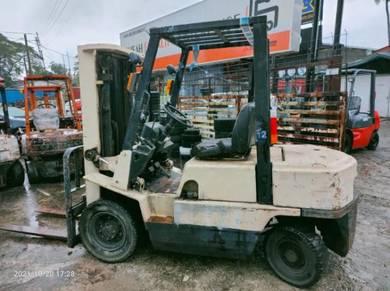 Nissan Forklift 2.5 ton diesel forklift (A)