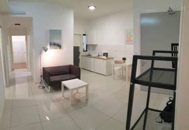 [Female Only] Big Master Room with Bathroom, Casa Green (Near LRT)
