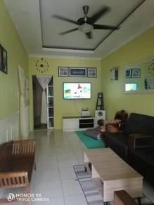 Semariang, Taman Dwi Puteri Single Storey Intermediate House For Sale