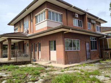 Arang Road Double Storey House For Sale
