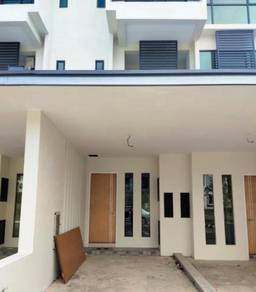 Lower unit Moyan Link TownHouse For Sale