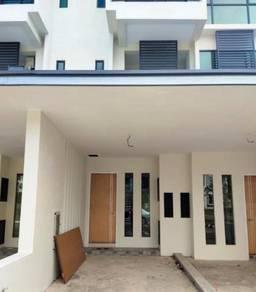 Lower unit Moyan Link TownHouse For Rent at Jalan Batu Kawa-Matang
