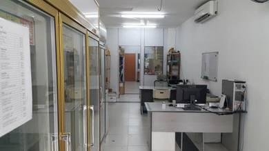 Petaling Jaya half shop for rent