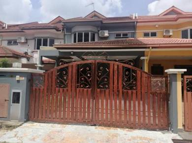 Beautifully Decorated Partially Furnished 2 Storey At Seksyen 7