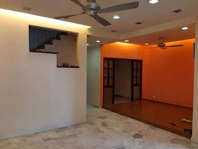 Putra height section 9 [2 stry house for rent]